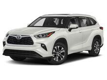 2021_Toyota_Highlander_XLE_ Martinsburg