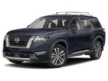 2022_Nissan_Pathfinder_Platinum_ Roseville CA
