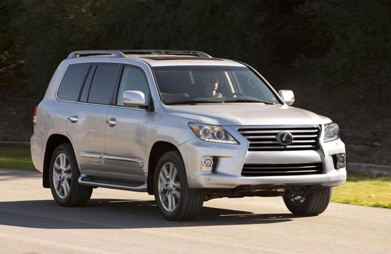 Used Lexus LX 570 Plano Side View
