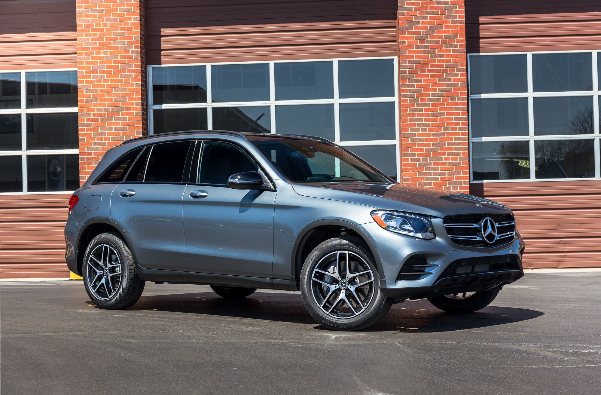Vehicle specials in merriam ks for Mercedes benz financial lease agreement