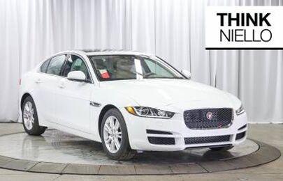2019 Jaguar XE Premium 25t (RWD)