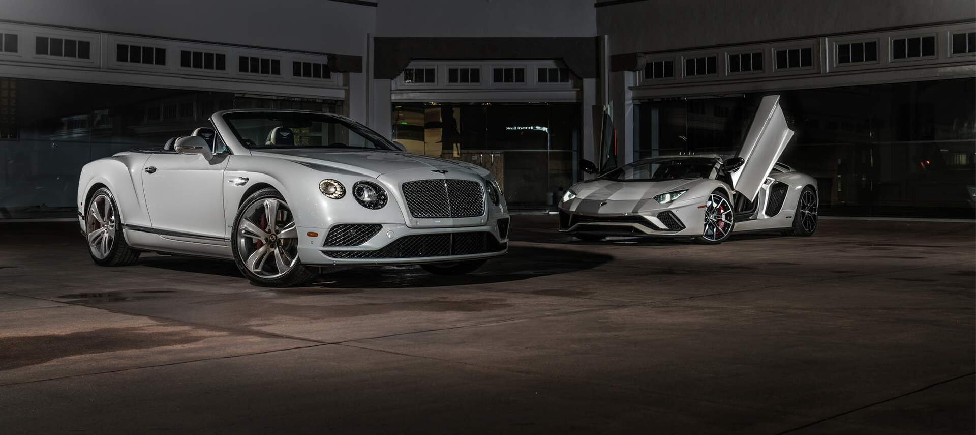 Bentley & Lamborghini Moving