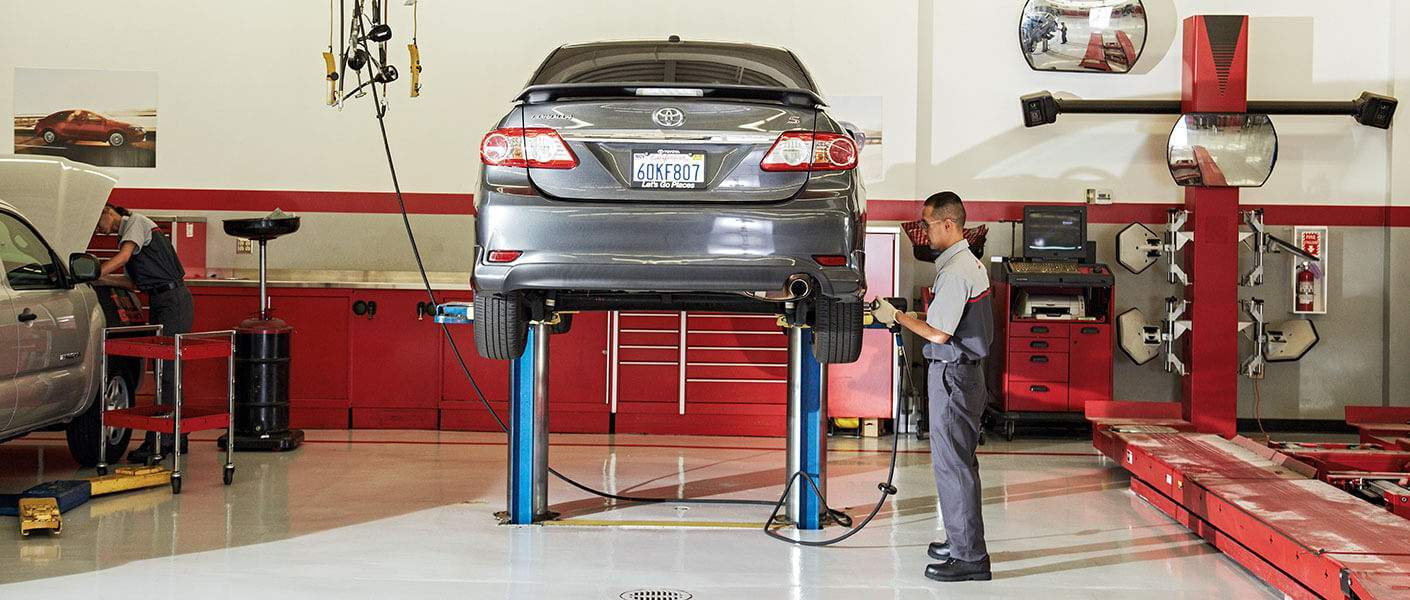 Service Department at Parkway Toyota