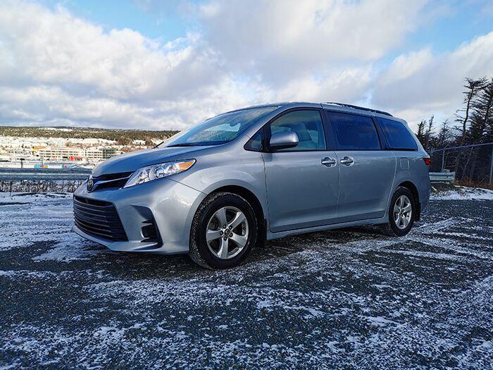 2019 Toyota Sienna LE