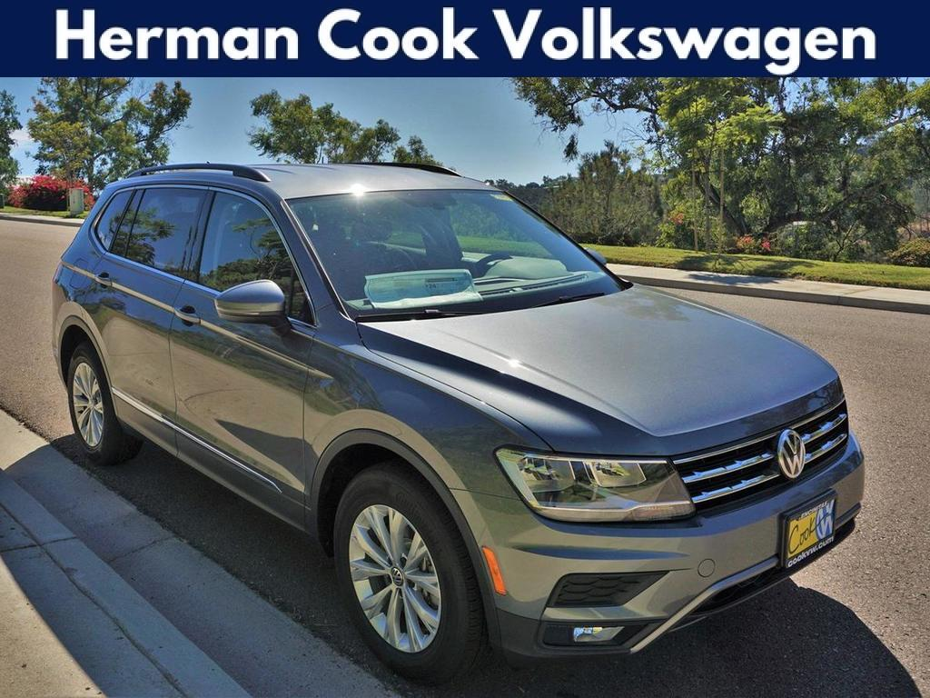 2018 Volkswagen Tiguan SE with 4MOTION®