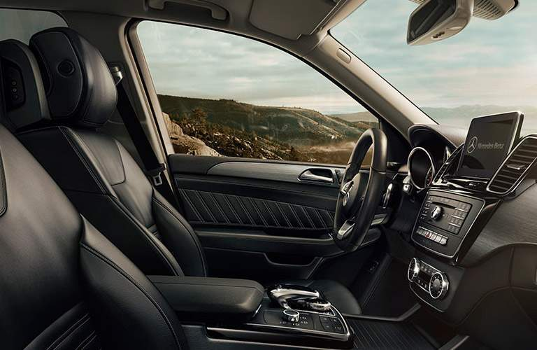 2018 Mercedes-Benz GLE front seats