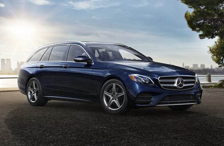 2019 Mercedes-Benz E 450 Wagon blue side front view