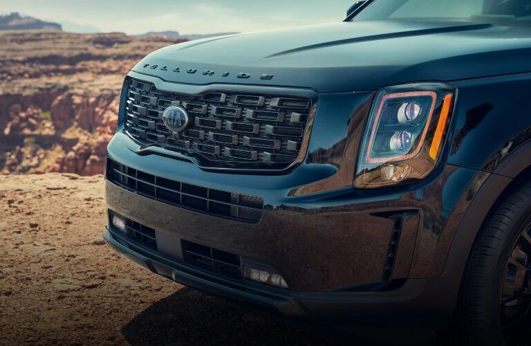 Closeup of grille on 2021 Kia Telluride