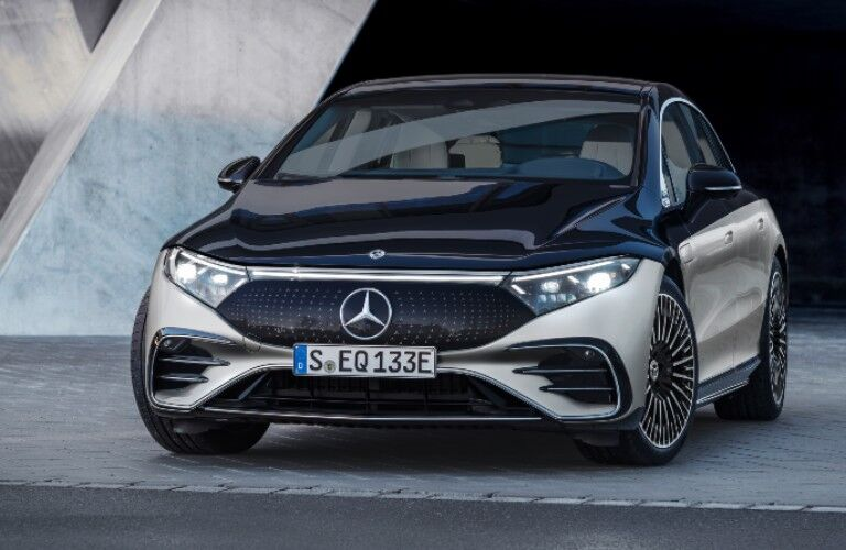 2022 Mercedes-Benz EQS from front