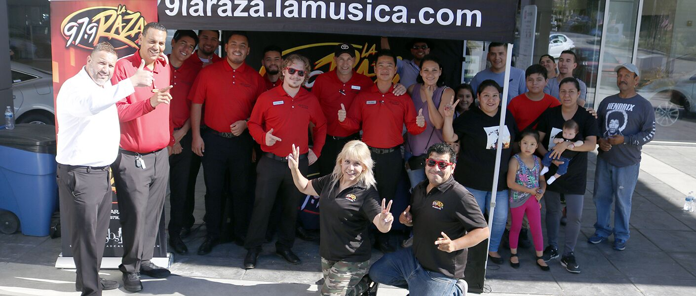 Chikilin and Crew at Toyota Pasadena. Ahorre hoy!
