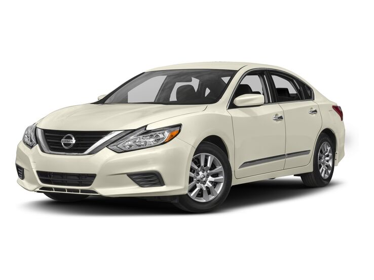 New Nissan Altima near Charleston