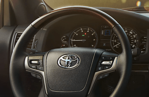 Leather-trimmed, heated steering wheel