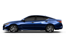 New Nissan Altima at Eau Claire