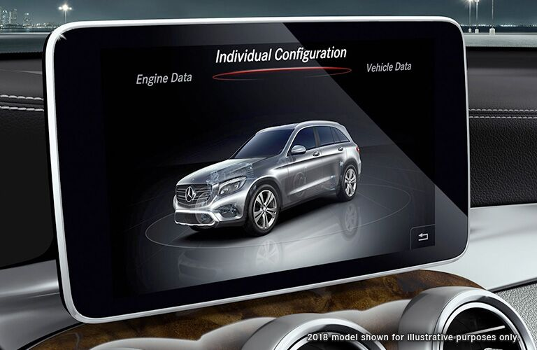 2019 MB GLC interior close up of display screen
