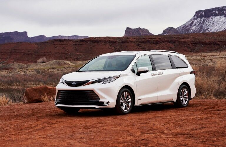 2021 Toyota Sienna on a desert lot