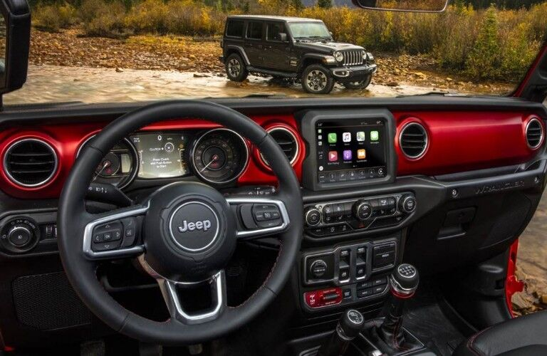 2019 Jeep Wrangler dashborad and steering wheel