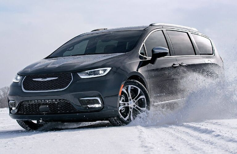 2021 Chrysler Pacifica playing in the snow