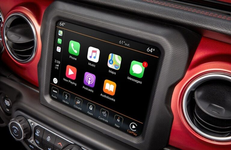 2020 Jeep Wrangler infotainment screen