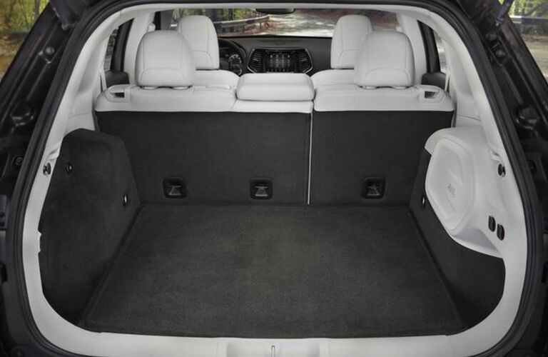 The rear trunk area inside a 2020 Jeep Cherokee.