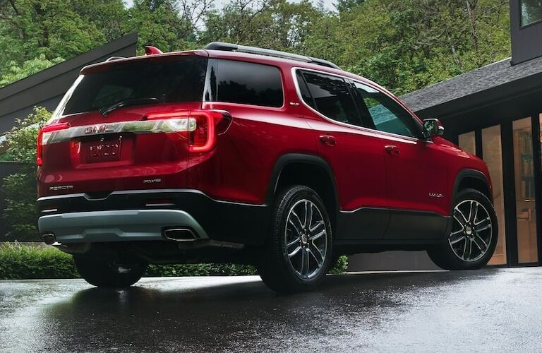 2020 GMC Acadia back end