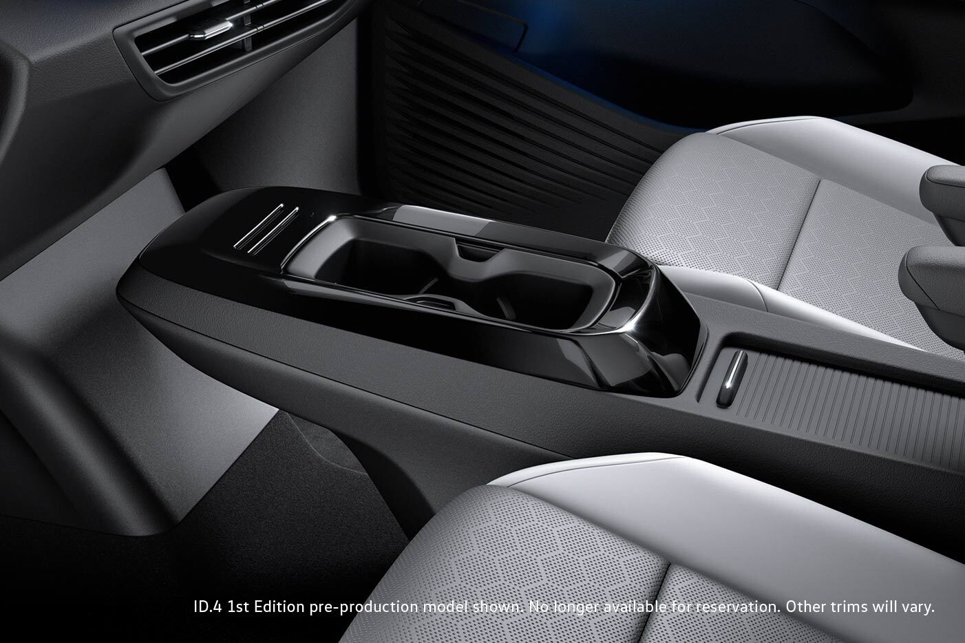 View of column in front seats of Volkswagen ID.4