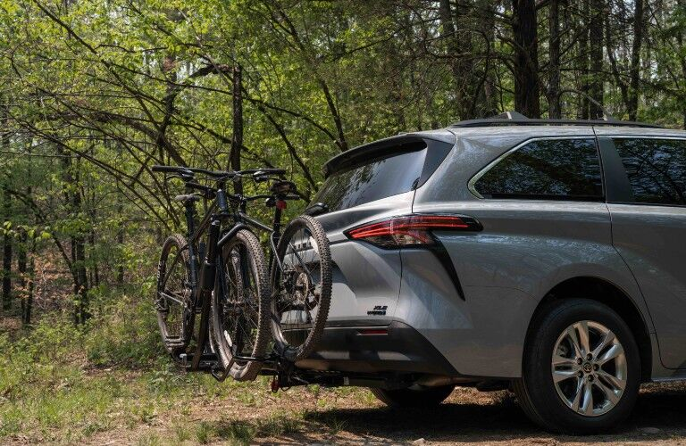 bikes on the back of the 2022 Toyota Sienna Woodland Special Edition