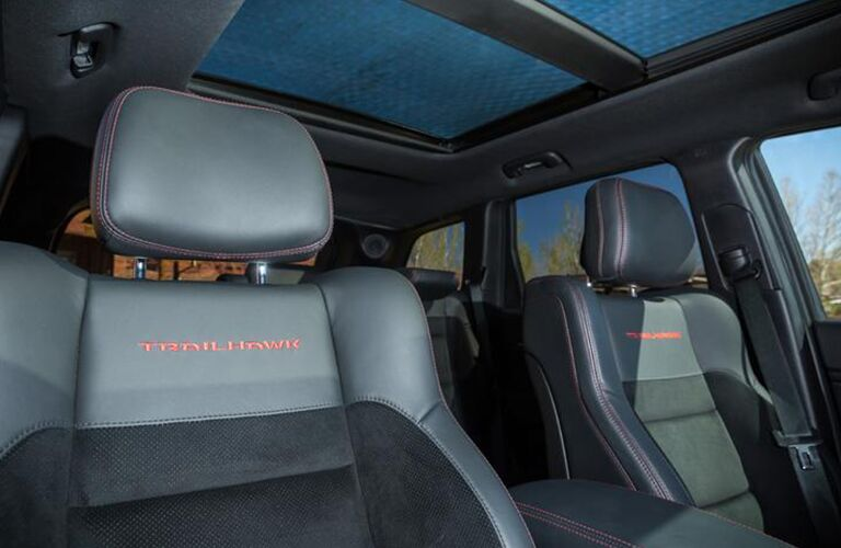 2020 Jeep Grand Cherokee interior view