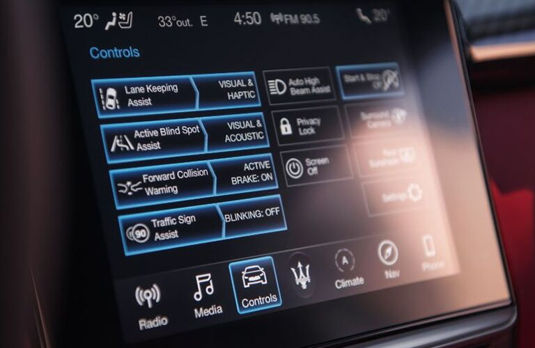 2019 Maserati Ghibli infotainment display