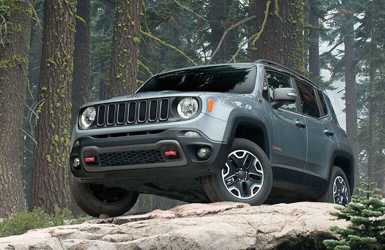 The front view of a gray 2016 Jeep Renegade.