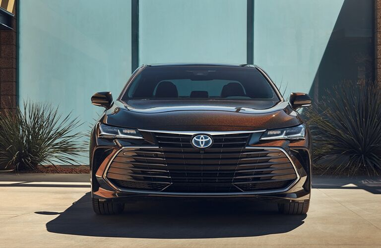 front view of the 2021 Toyota Avalon Hybrid