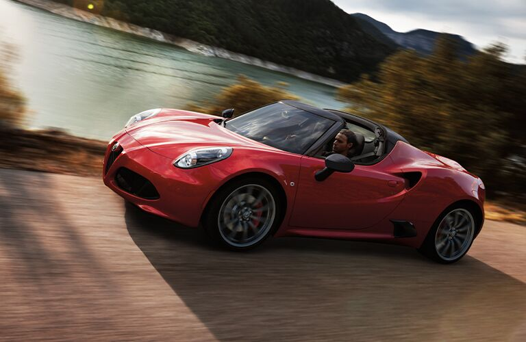 alfa romeo 4c spider in red