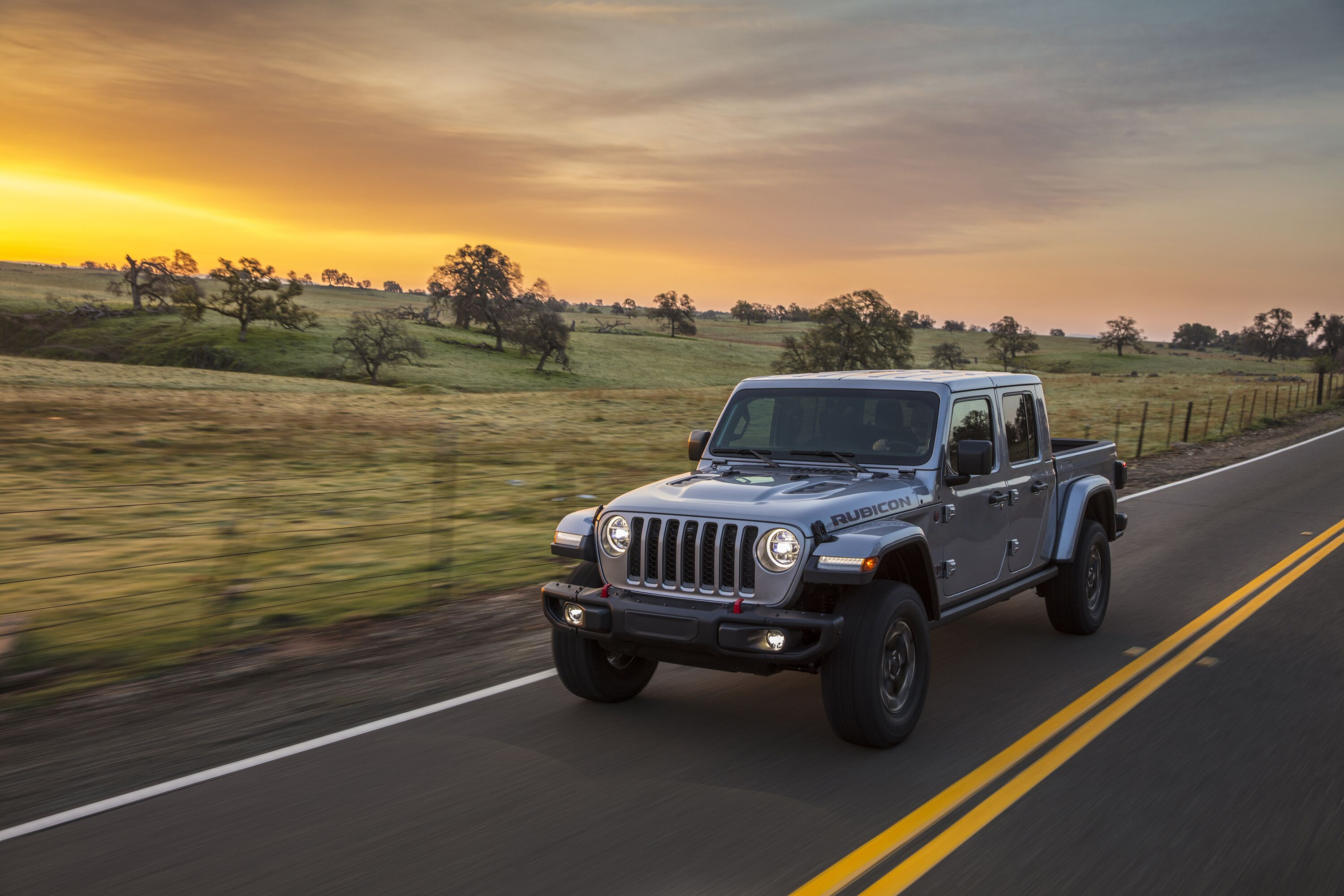 2020 Jeep Gladiator with beautiful sunset in background