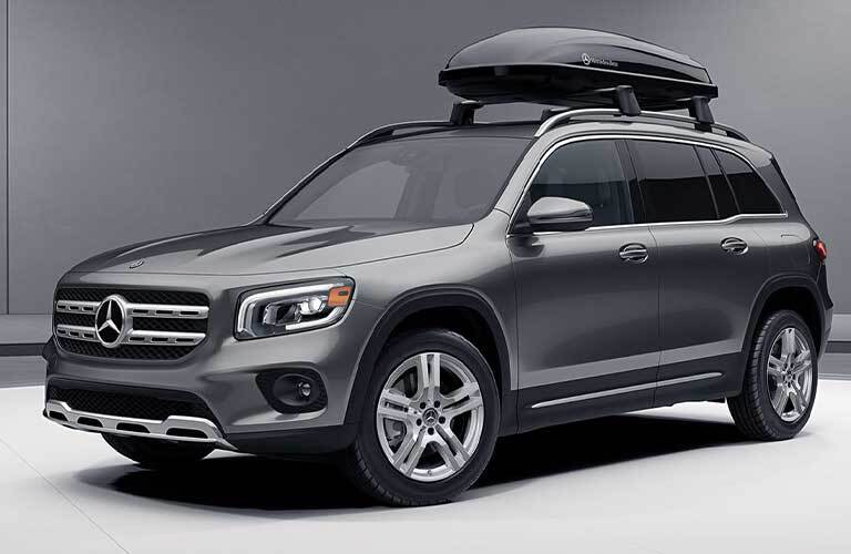 2021 MB GLB exterior front fascia driver side with cargo on roof rack