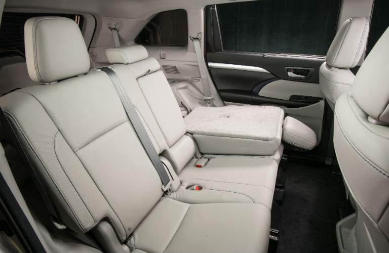 Interior of 2018 Toyota Highlander at Heritage Toyota