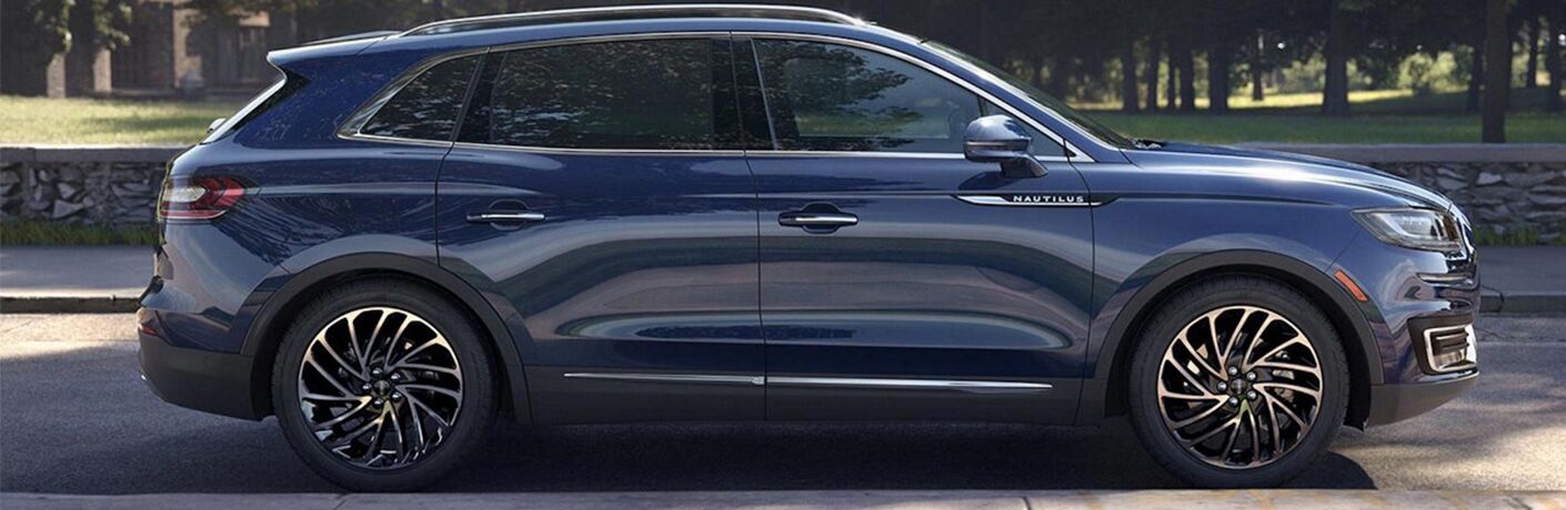 Side view of blue 2019 Lincoln Nautilus