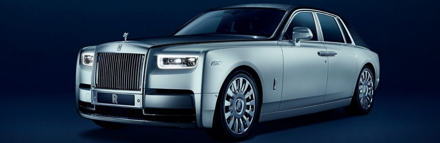 2018 Rolls-Royce Phantom Front View of Silver Exterior