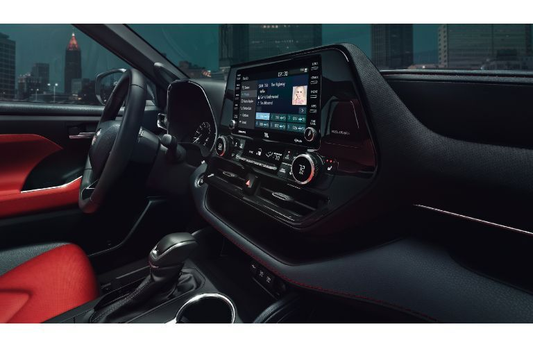2021 Toyota Highlander media display