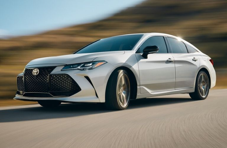Exterior view of the front of a white 2020 Toyota Avalon