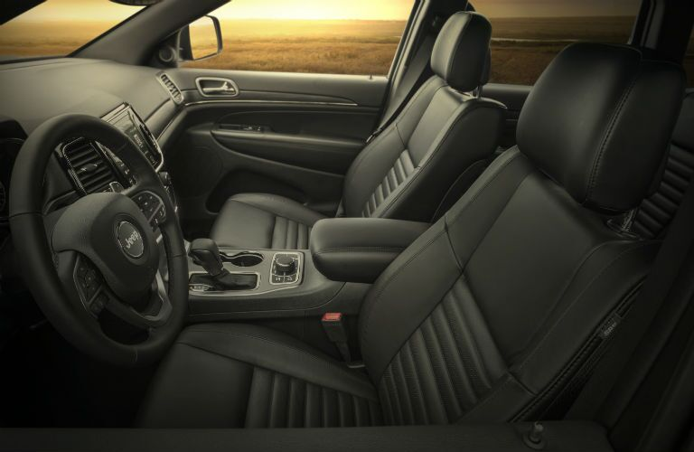 A photo of the front seats in the 2020 Jeep Grand Cherokee.
