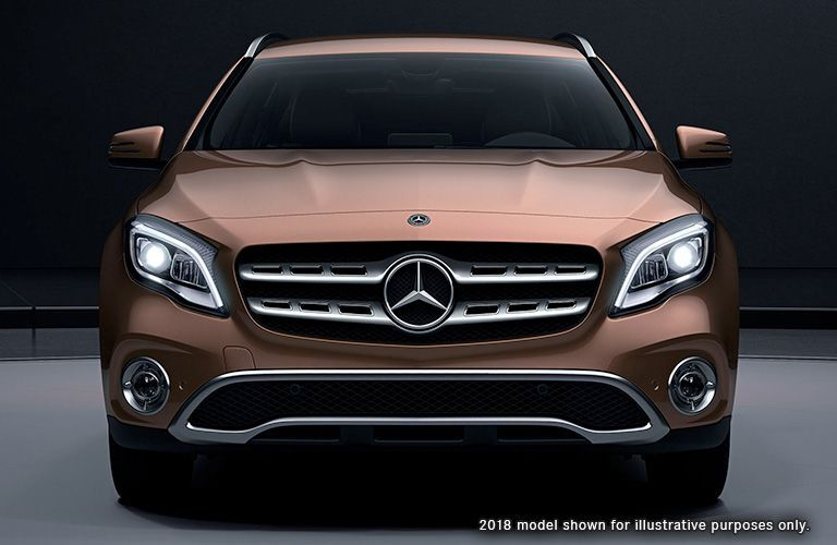 View of the 2019 Mercedes-Benz GLA from the front