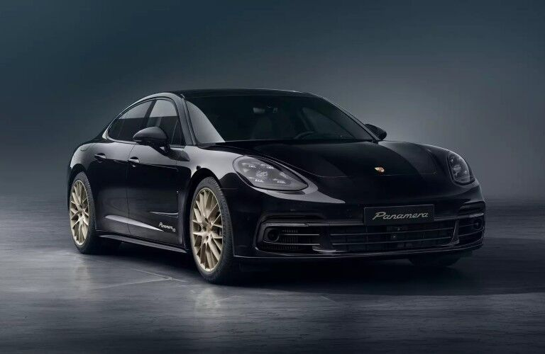 front view of the 2020 Porsche Panamera