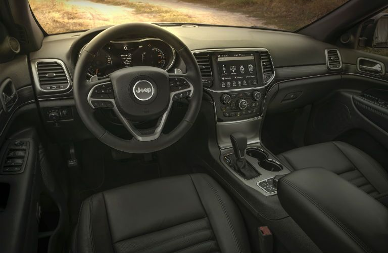 A photo of the dashboard in the 2020 Jeep Grand Cherokee.