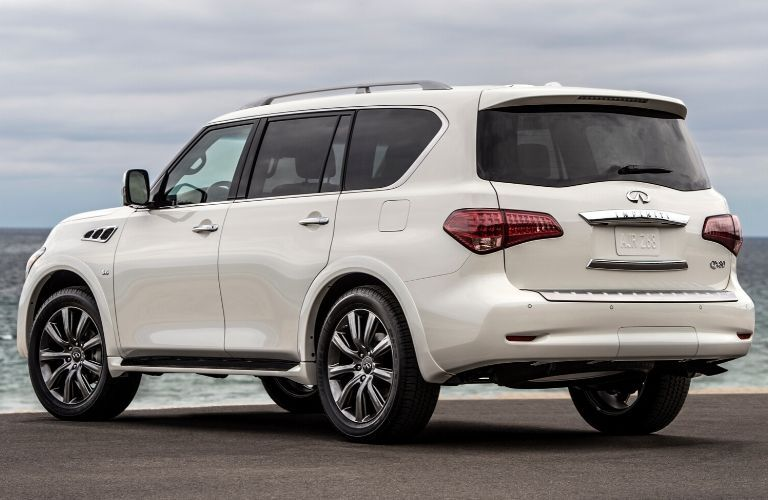 Exterior view of white 2017 Infiniti QX80