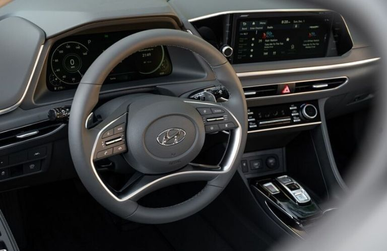 2020 Hyundai Sonata interior close up of steering wheel_o
