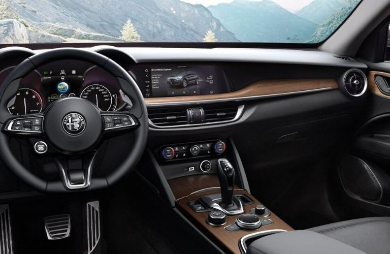 2020 Alfa Romeo Stelvio dash and wheel