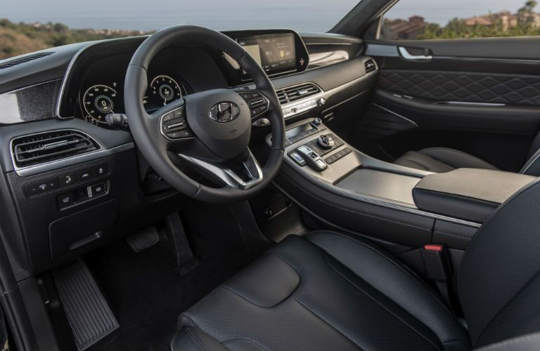 A photo of the driver's cockpit in the 2021 Hyundai Palisade.