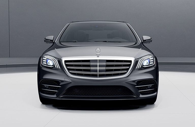 2020 MB S-Class exterior front fascia in gray and white room