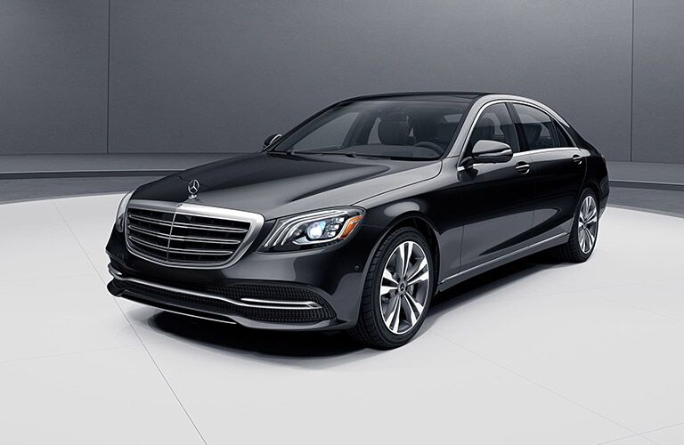 2020 MB S-Class exterior front fascia driver side in gray and white room