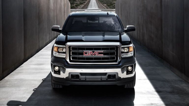 2014 GMC Sierra 1500 head-on view