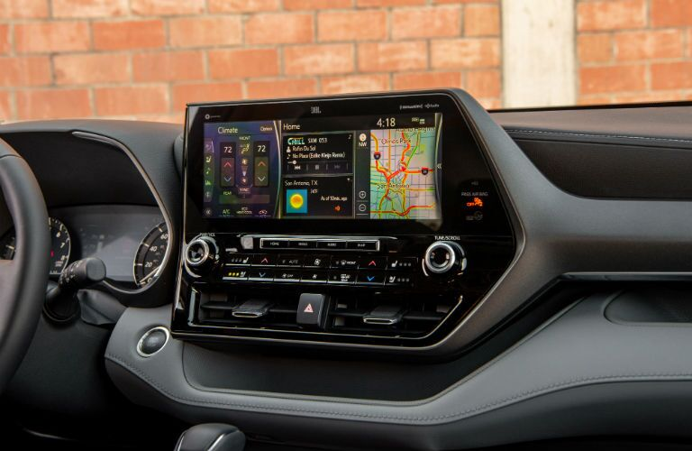 A photo of the touchscreen interface used by the 2020 Toyota Highlander.